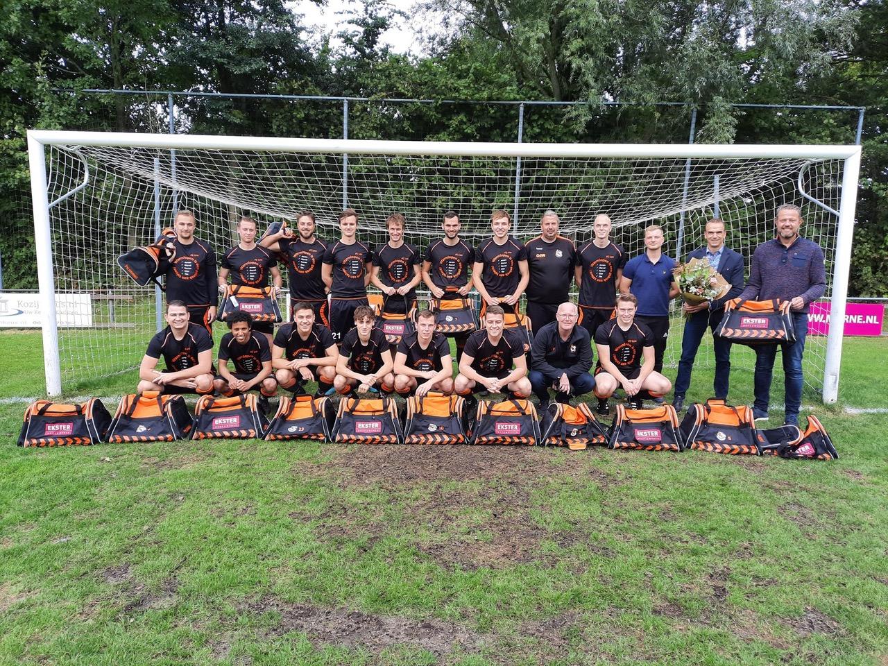 Nieuwe kledingtassen FC LEO
